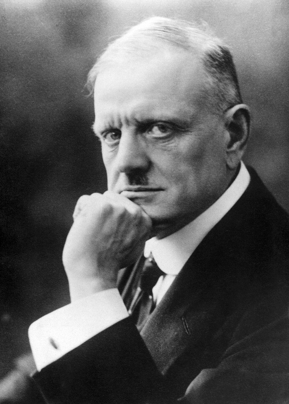 Sibelius.jpg (960×1344)