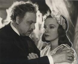 Leo Slezak as Rohrmoser, with Zarah Leander dressed as Orpheus