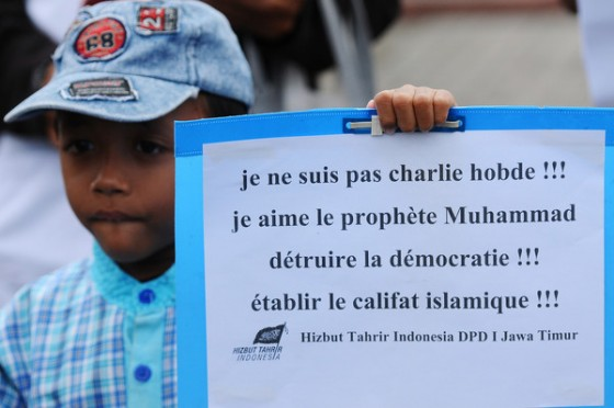 """Anti-French protest in Indonesia: """"I am not Charlie Hebdo. I love the prophet Muhammad. Destroy democracy. Establish the Islamic caliphate."""""""