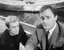 9 David McCallum and Robert Vaughn in an early episode