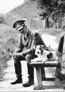 Hitler&Dogcrop