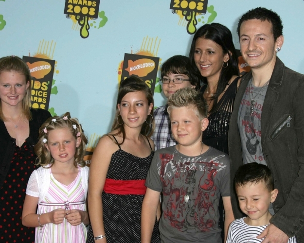 Late Chester Bennington and his family