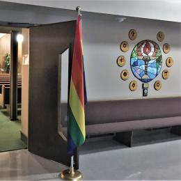 The interior of a Unitarian Universalist church.